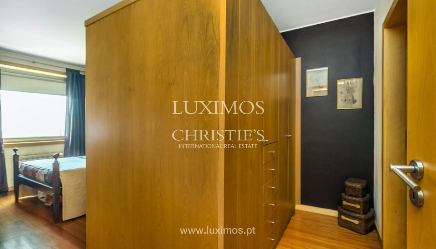Sale of apartment in luxury condominium in Matosinhos Sul, Portugal_120185