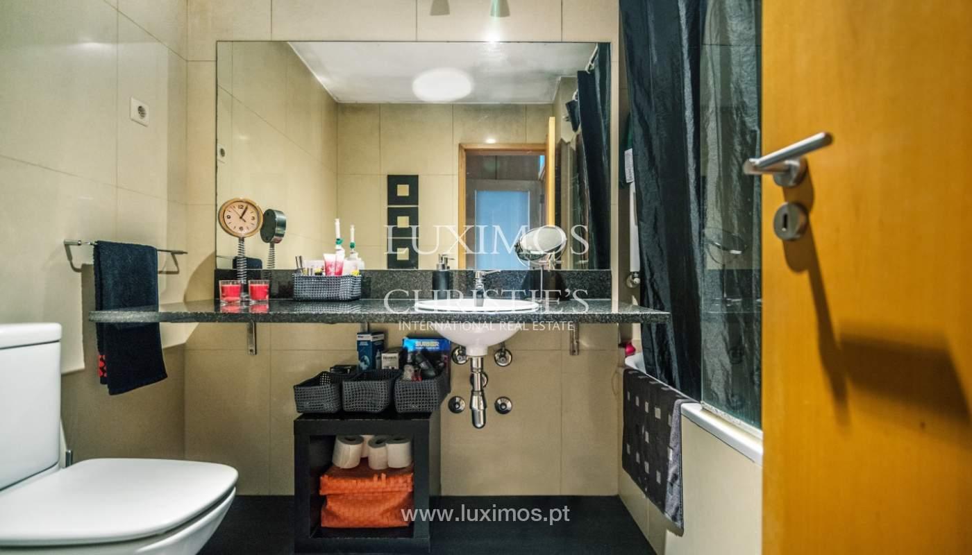 Sale of apartment in luxury condominium in Matosinhos Sul, Portugal_120190