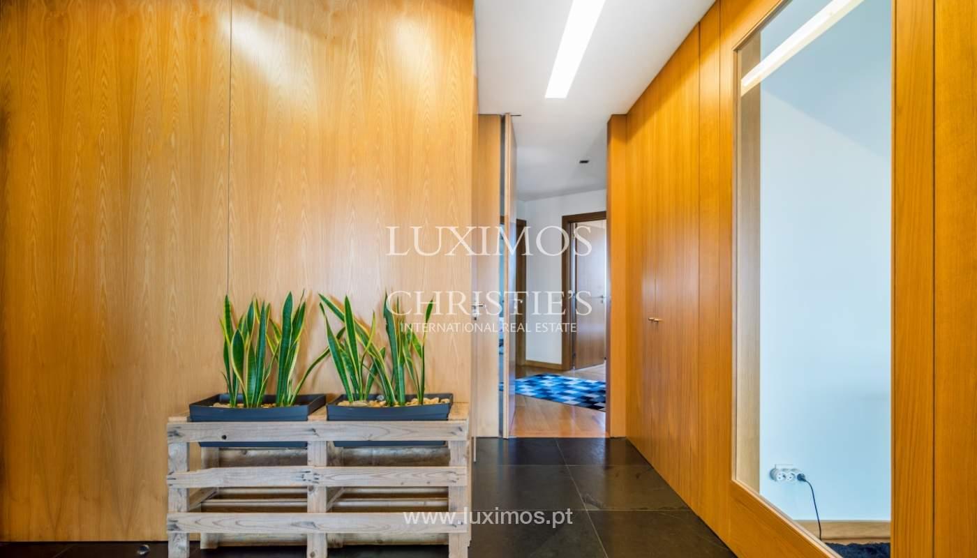 Sale of apartment with panoramic views, Vila Nova de Gaia, Portugal_120761