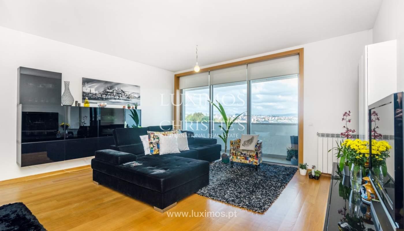 Sale of apartment with panoramic views, Vila Nova de Gaia, Portugal_120763