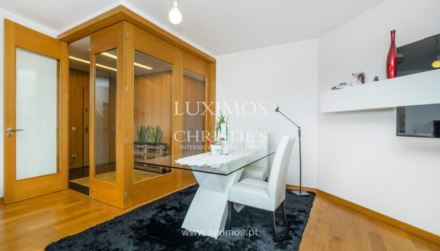 Sale of apartment with panoramic views, Vila Nova de Gaia, Portugal_120764