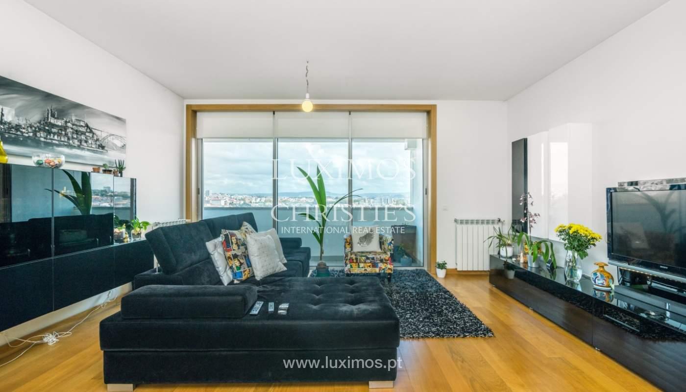 Sale of apartment with panoramic views, Vila Nova de Gaia, Portugal_120765