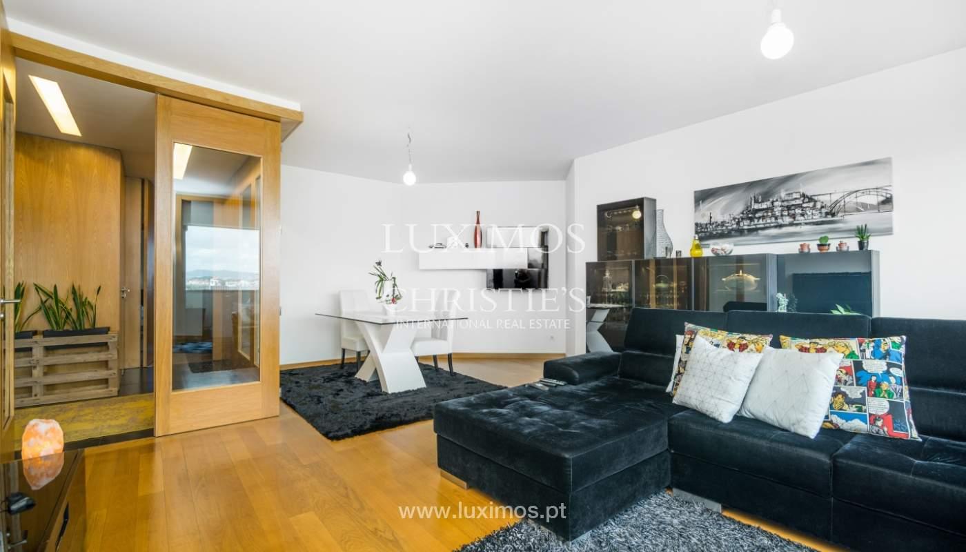 Sale of apartment with panoramic views, Vila Nova de Gaia, Portugal_120766
