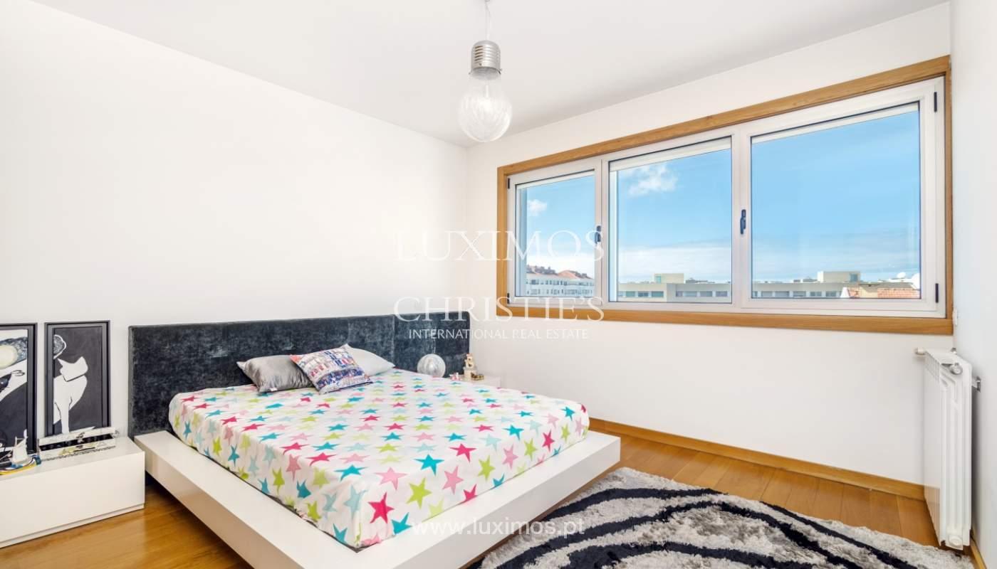 Sale of apartment with panoramic views, Vila Nova de Gaia, Portugal_120777