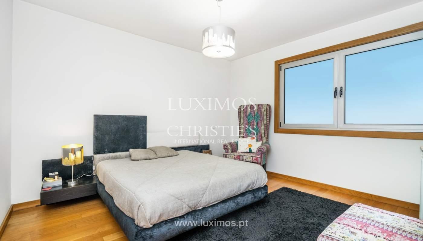 Sale of apartment with panoramic views, Vila Nova de Gaia, Portugal_120778