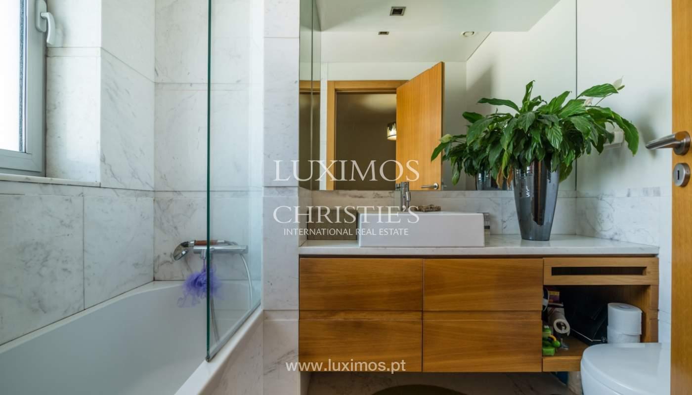 Sale of apartment with panoramic views, Vila Nova de Gaia, Portugal_120780