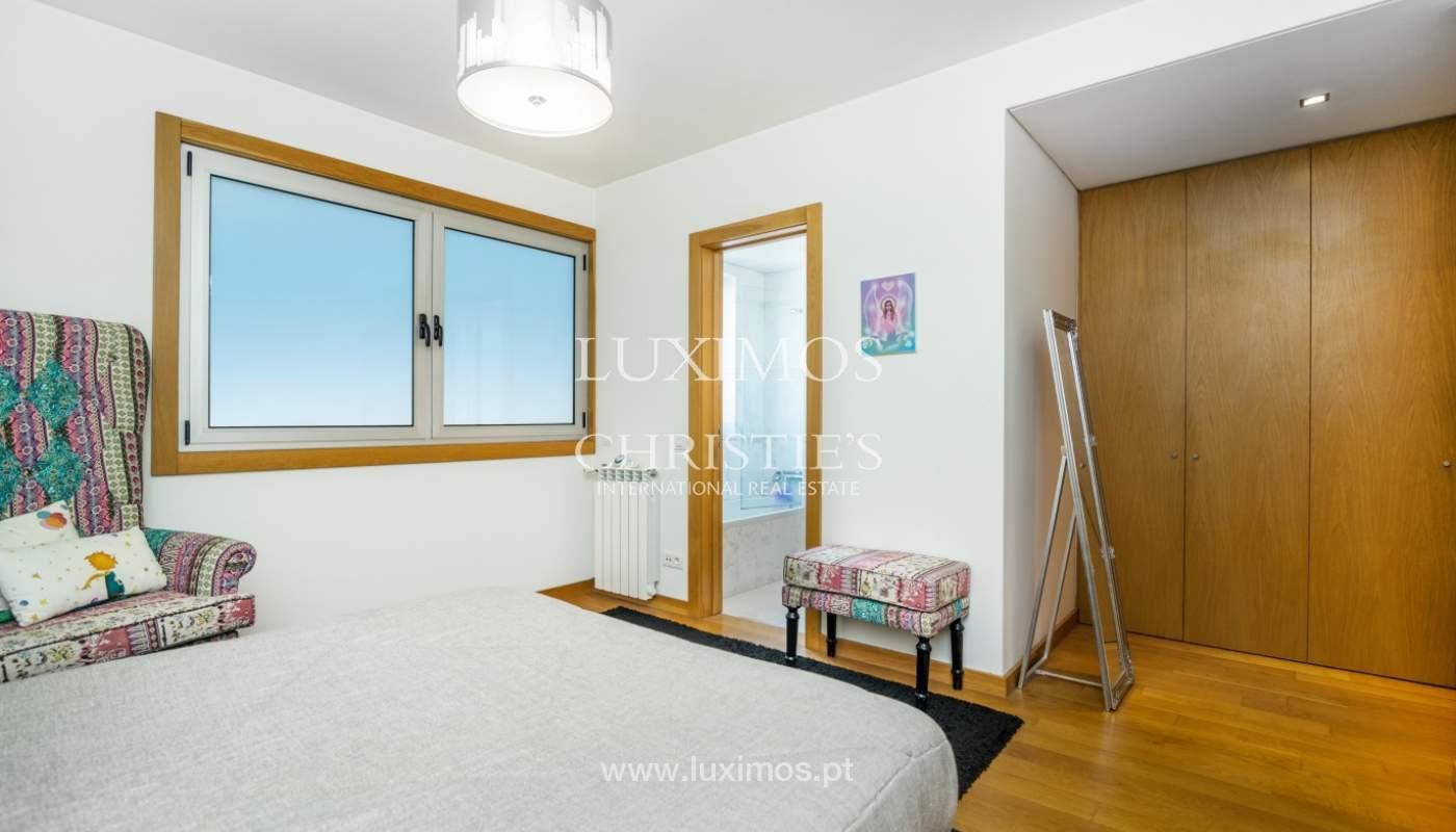 Sale of apartment with panoramic views, Vila Nova de Gaia, Portugal_120781