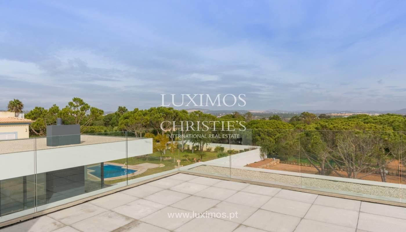 Venda de moradia perto do mar, com piscina e terraço, Algarve,Portugal_121442