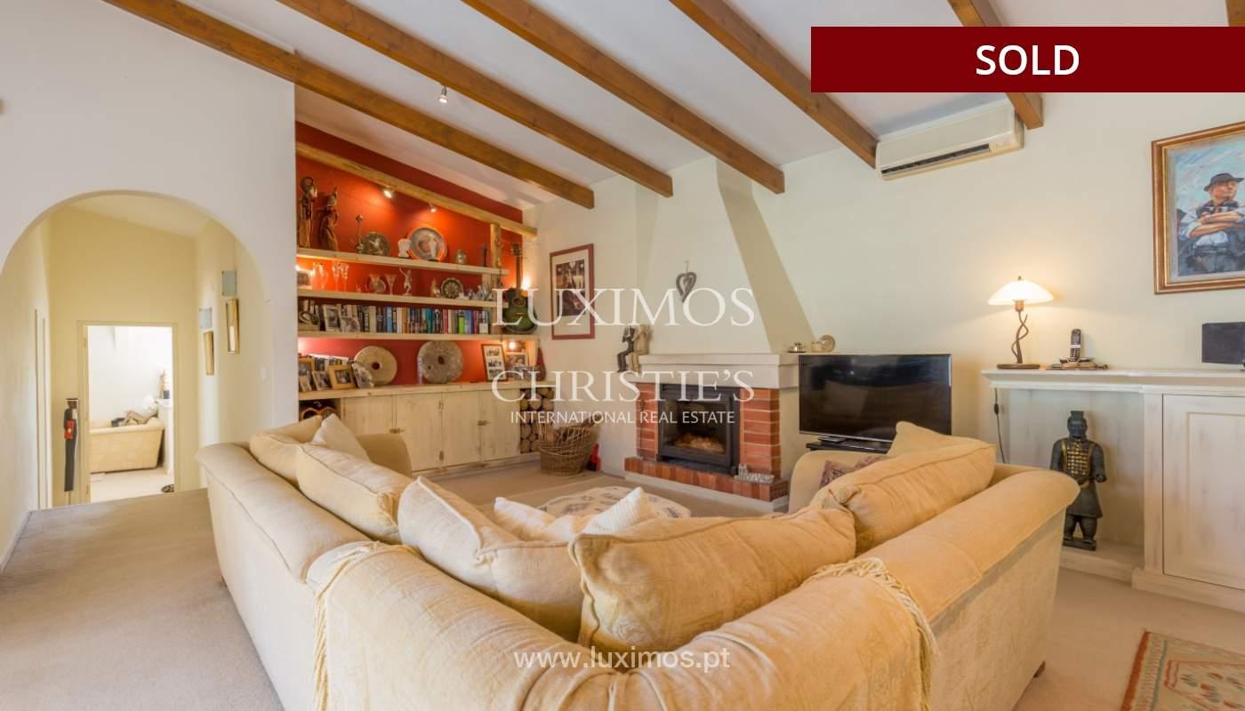 Freistehende villa zum Verkauf, pool, Garten und Tennisplatz, Quarteira, Algarve, Portugal_121618