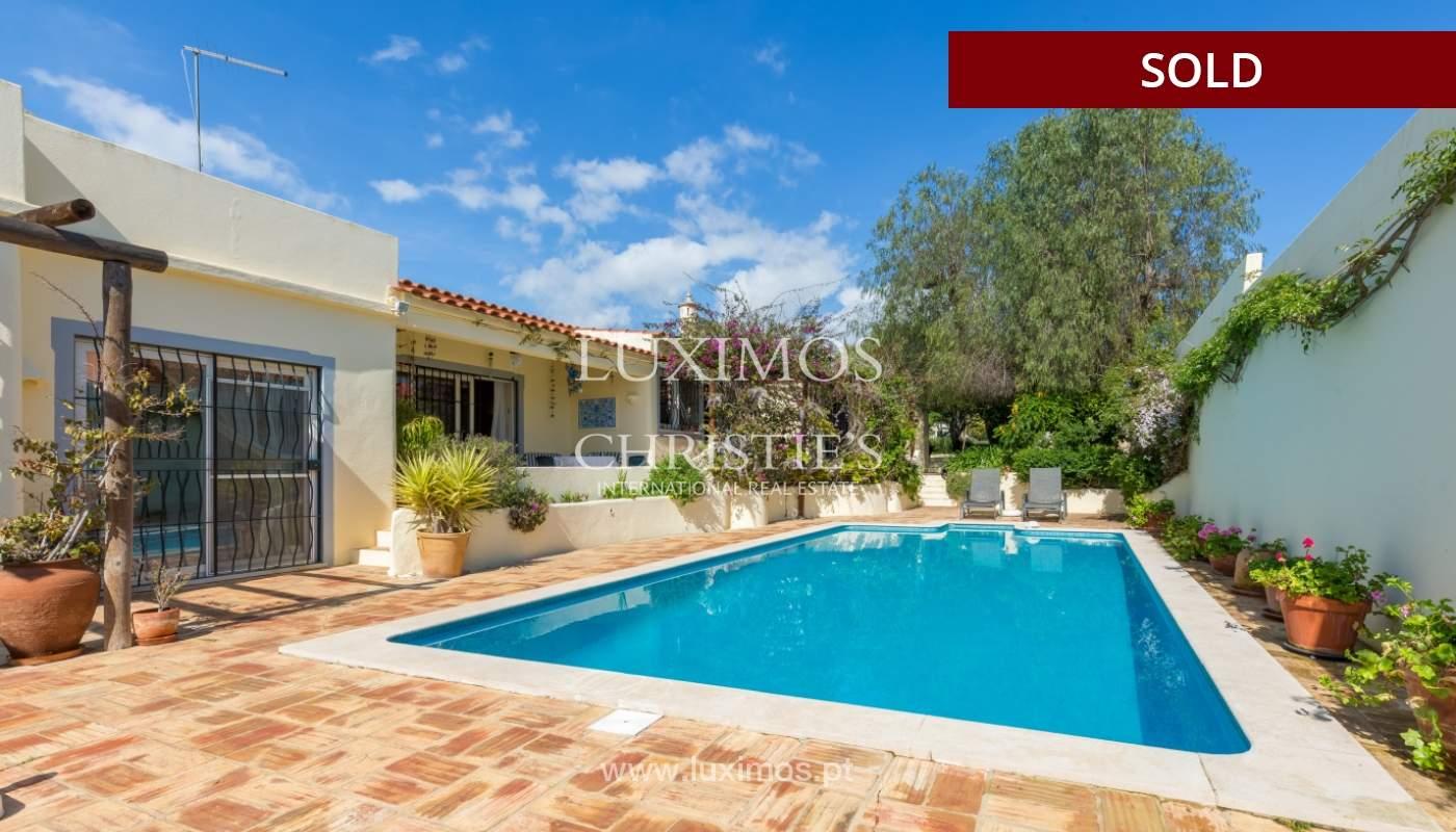 Freistehende villa zum Verkauf, pool, Garten und Tennisplatz, Quarteira, Algarve, Portugal_121619