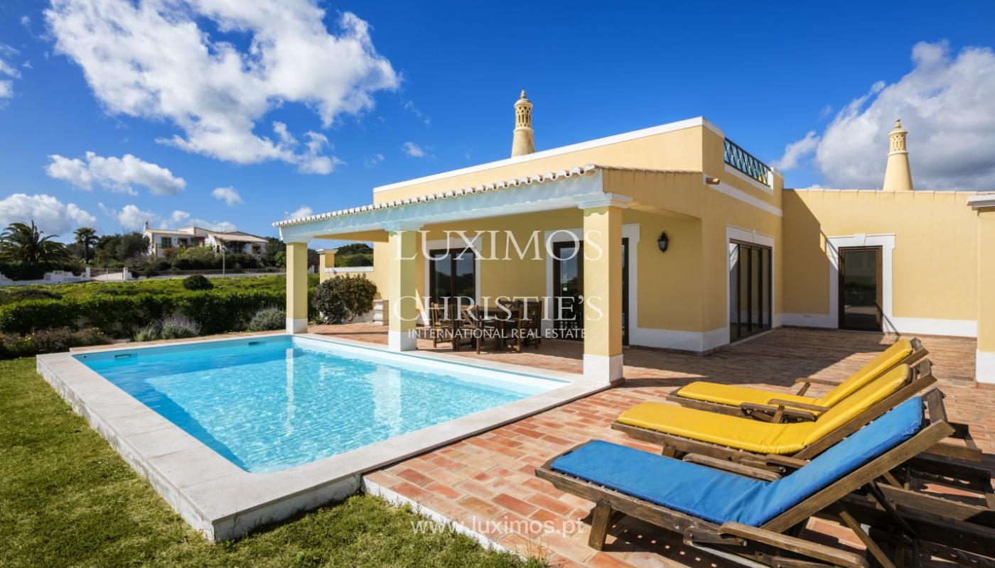Villa for sale with pool, near the beach, Lagos, Algarve, Portugal_121811