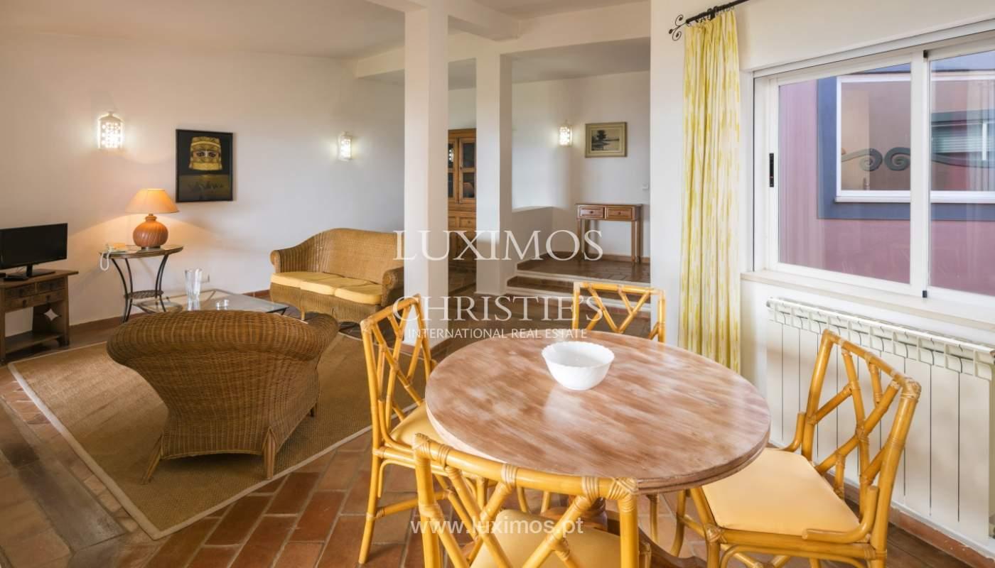 Venda de moradia com terraço, piscina e vistas mar, Lagos, Algarve_121974
