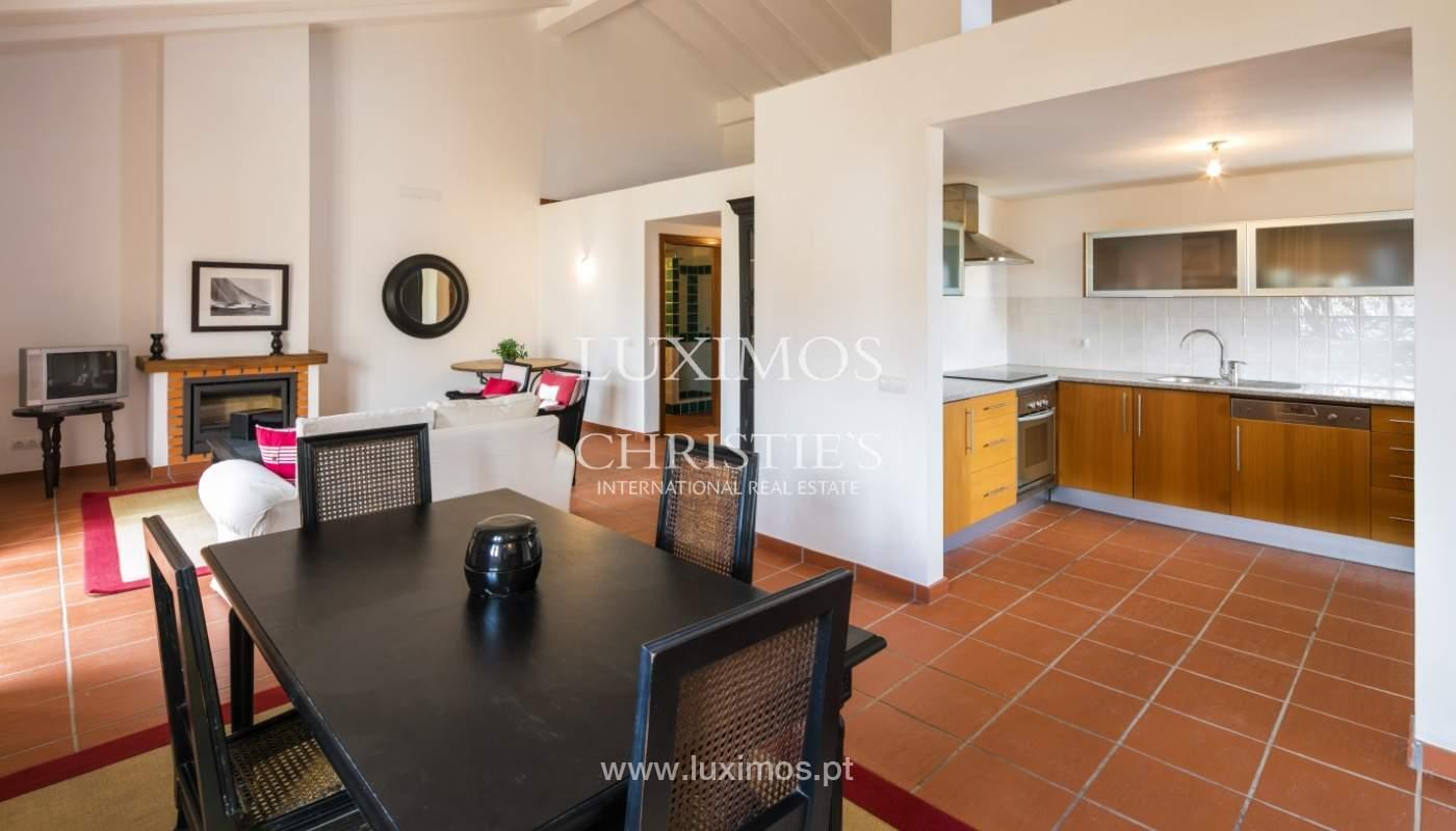 Verkauf von Haus mit Garten und pool, nahe dem Strand, Lagos, Algarve, Portugal_122021