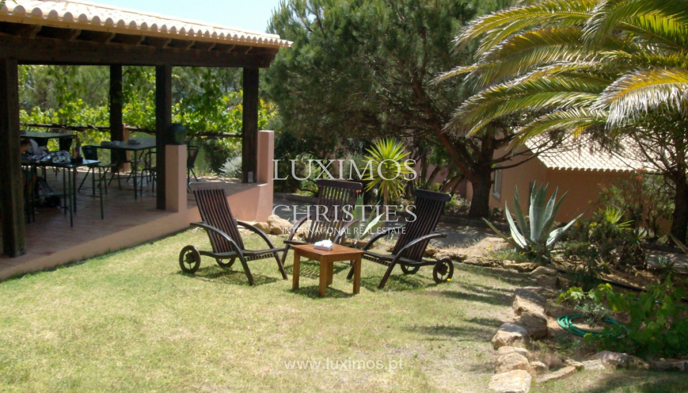 Villa for sale with garden and pool, near the beach, Algarve, Portugal_122083