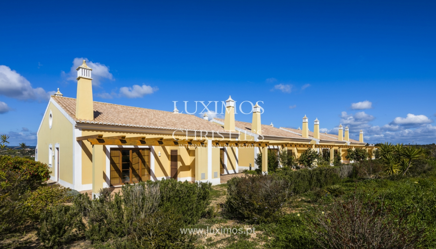 Villa for sale with pool and garden, near the beach, Algarve, Portugal_122257