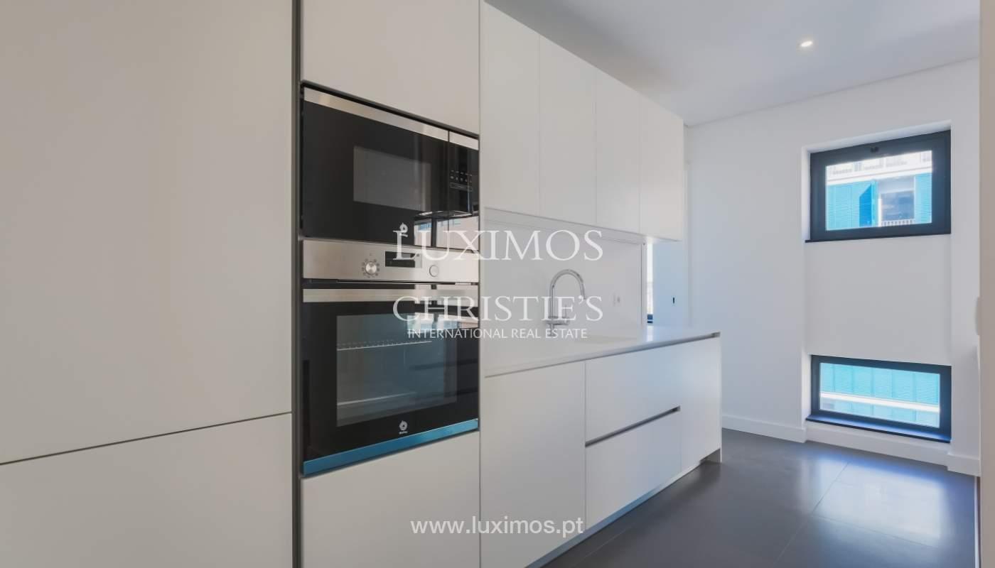 Sale of apartment in central location, Boavista, Porto, Portugal_122274