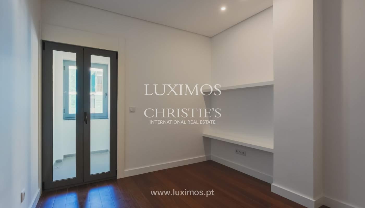 Sale of apartment in central location, Boavista, Porto, Portugal_122277