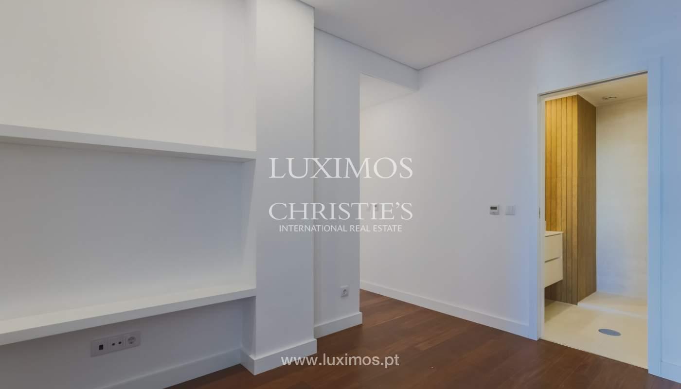 Sale of apartment in central location, Boavista, Porto, Portugal_122279