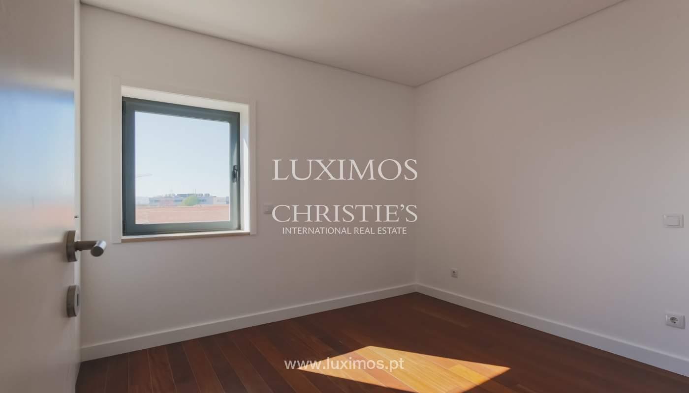 Sale of apartment in central location, Boavista, Porto, Portugal_122283