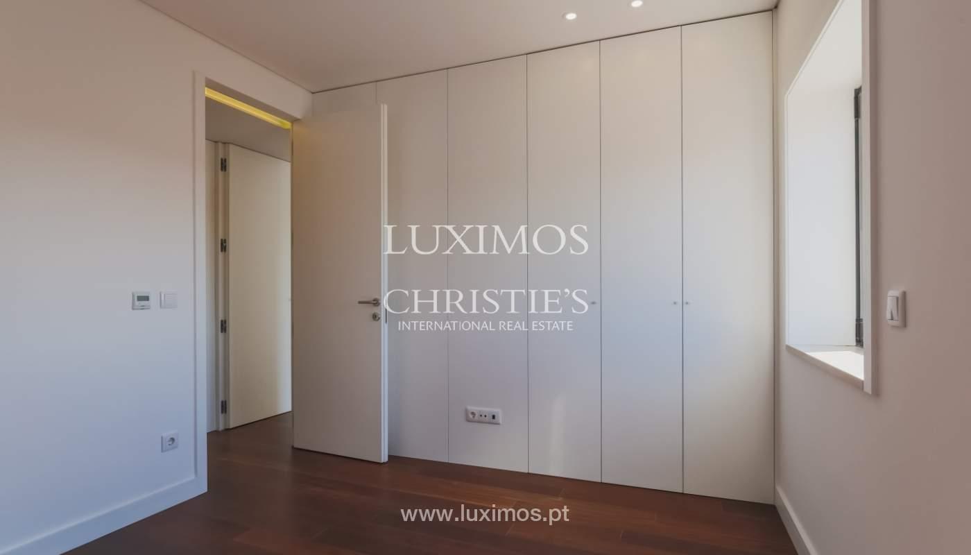 Sale of apartment in central location, Boavista, Porto, Portugal_122285