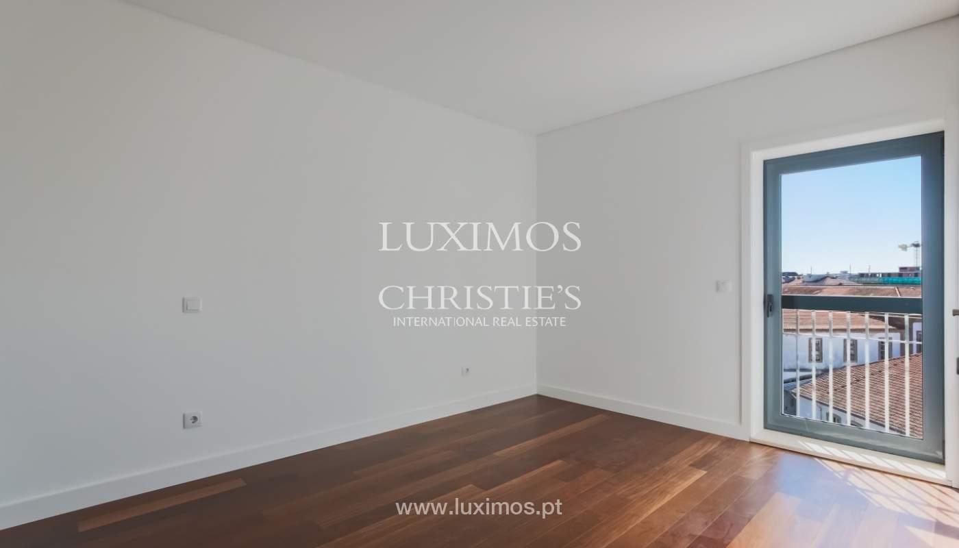 Sale of apartment in central location, Boavista, Porto, Portugal_122286