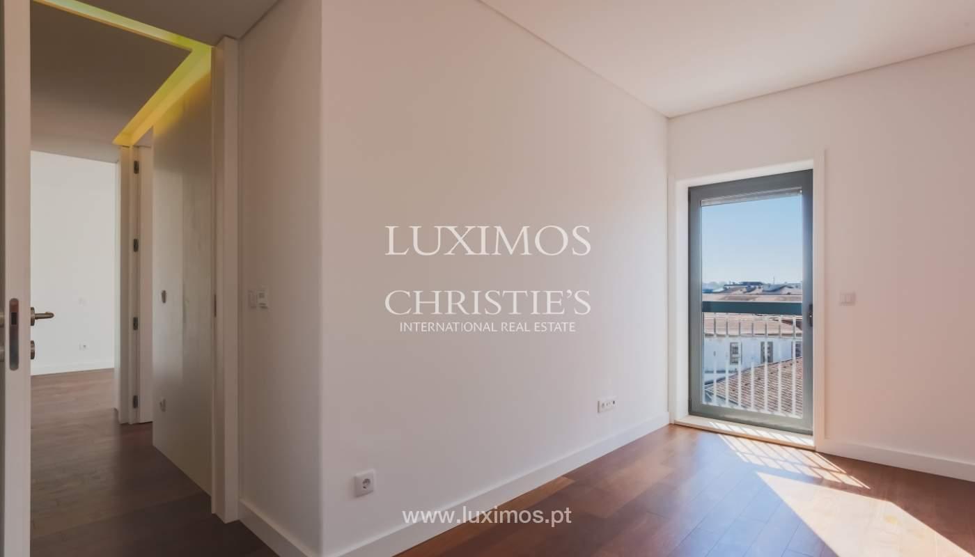 Sale of apartment in central location, Boavista, Porto, Portugal_122290