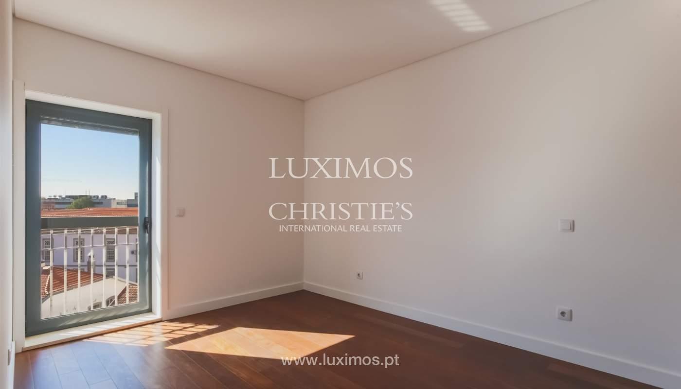 Sale of apartment in central location, Boavista, Porto, Portugal_122291
