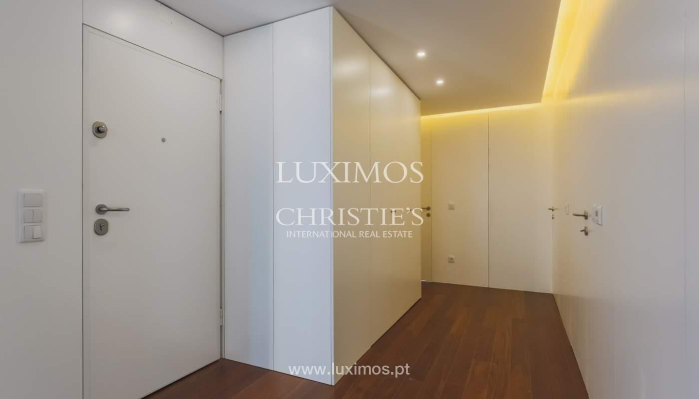 Sale of apartment in central location, Boavista, Porto, Portugal_122293