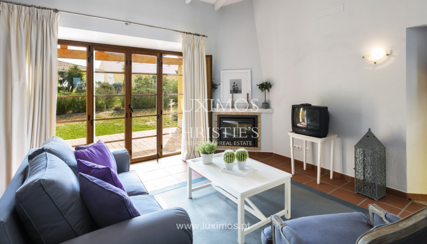 Villa for sale with pool and garden, near the beach, Algarve, Portugal_122335