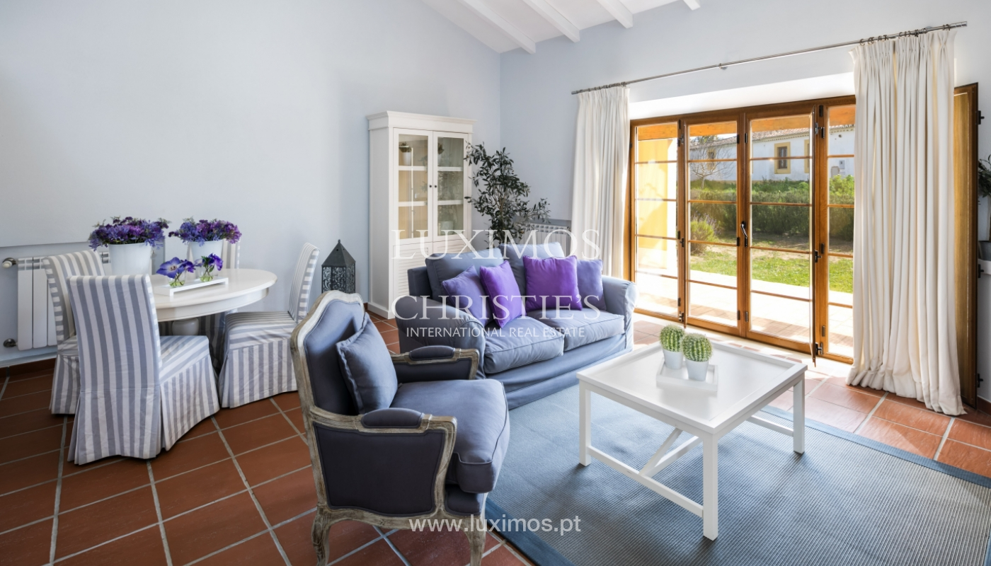 Villa for sale with pool and garden, near the beach, Algarve, Portugal_122336