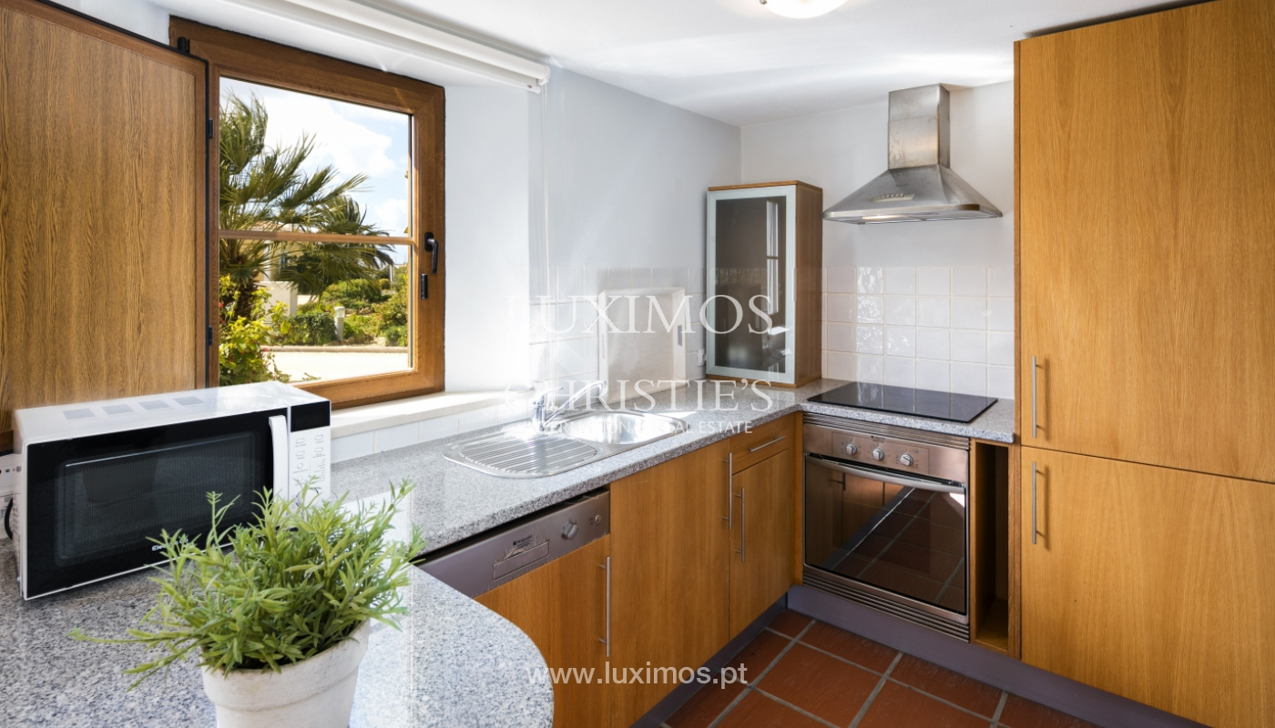 Villa for sale with pool and garden, near the beach, Algarve, Portugal_122509