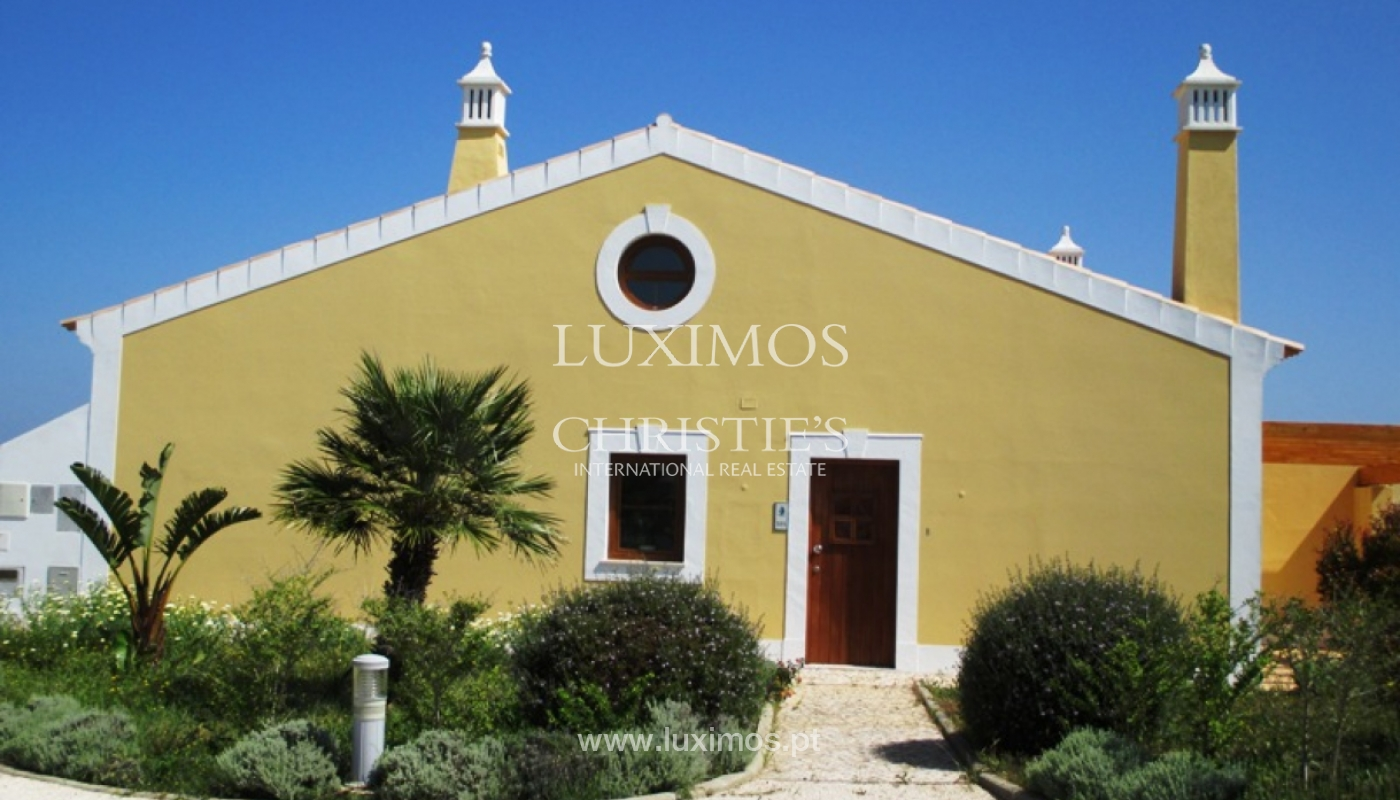 Villa for sale with pool and garden, near the beach, Algarve, Portugal_122513