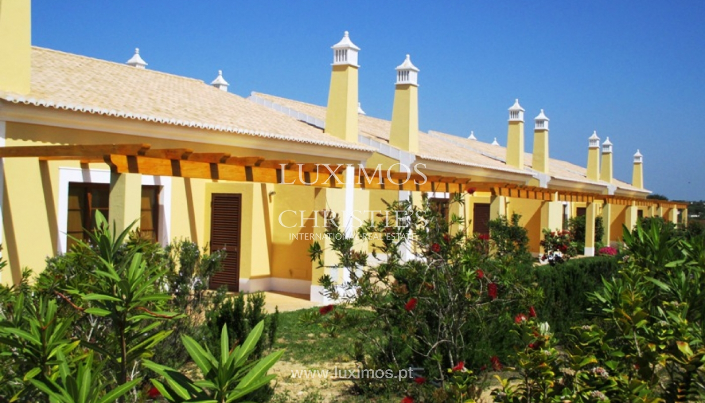 Villa for sale with pool and garden, near the beach, Algarve, Portugal_122514