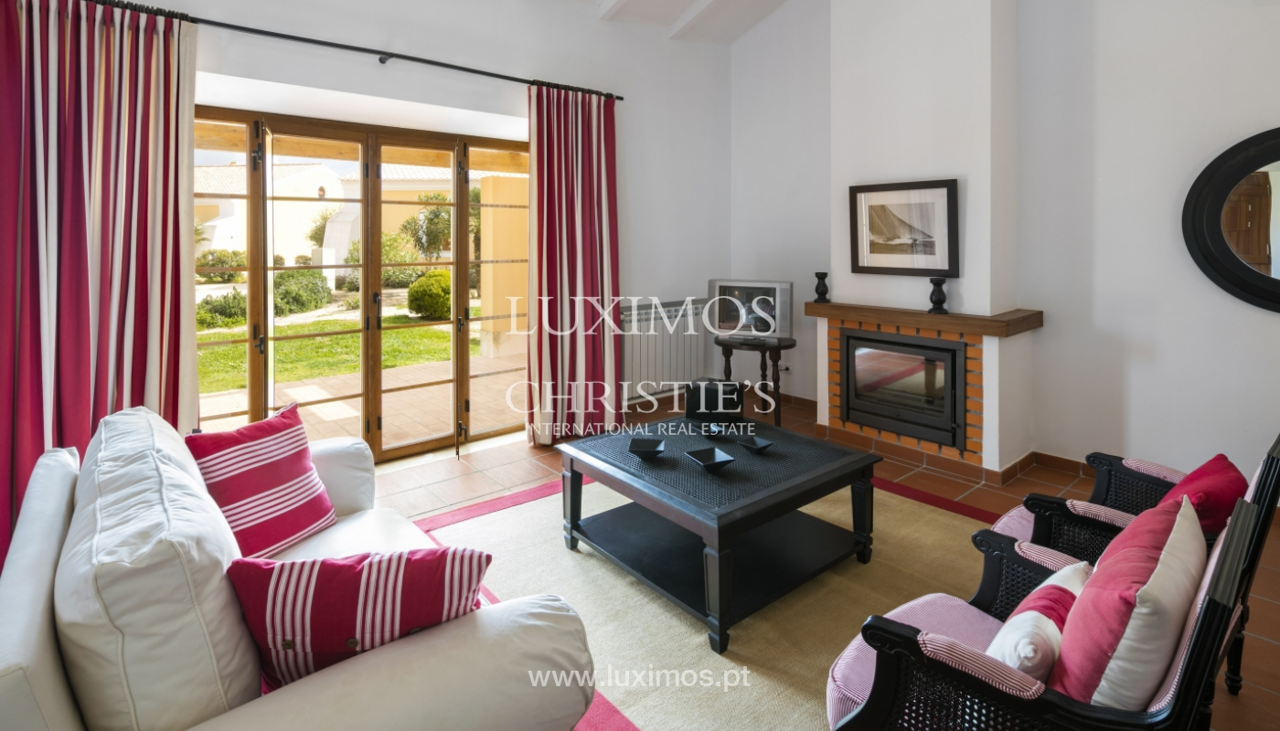 Villa for sale with pool and garden, near the beach, Algarve, Portugal_122515