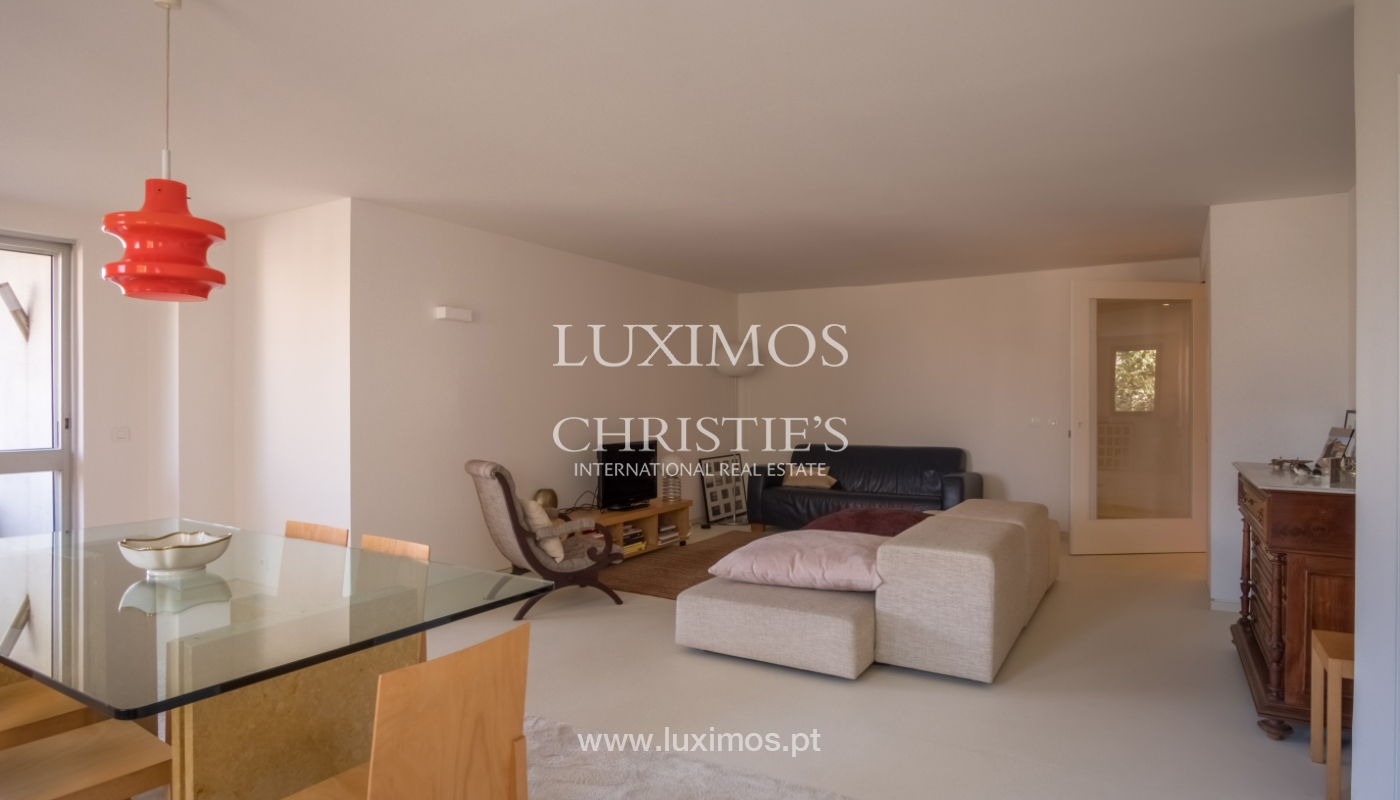Sale of renovated apartment, with balcony, Porto Portugal_122524