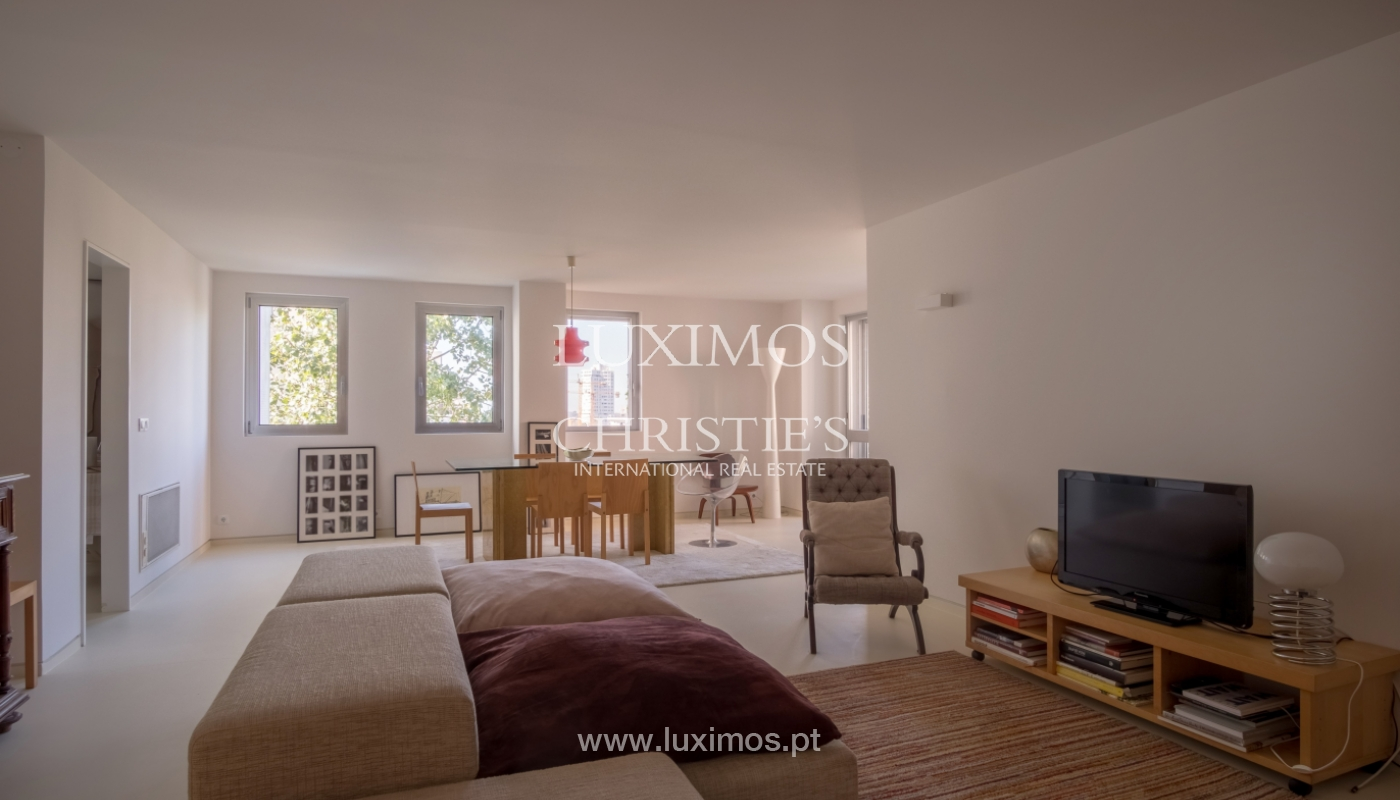 Sale of renovated apartment, with balcony, Porto Portugal_122527