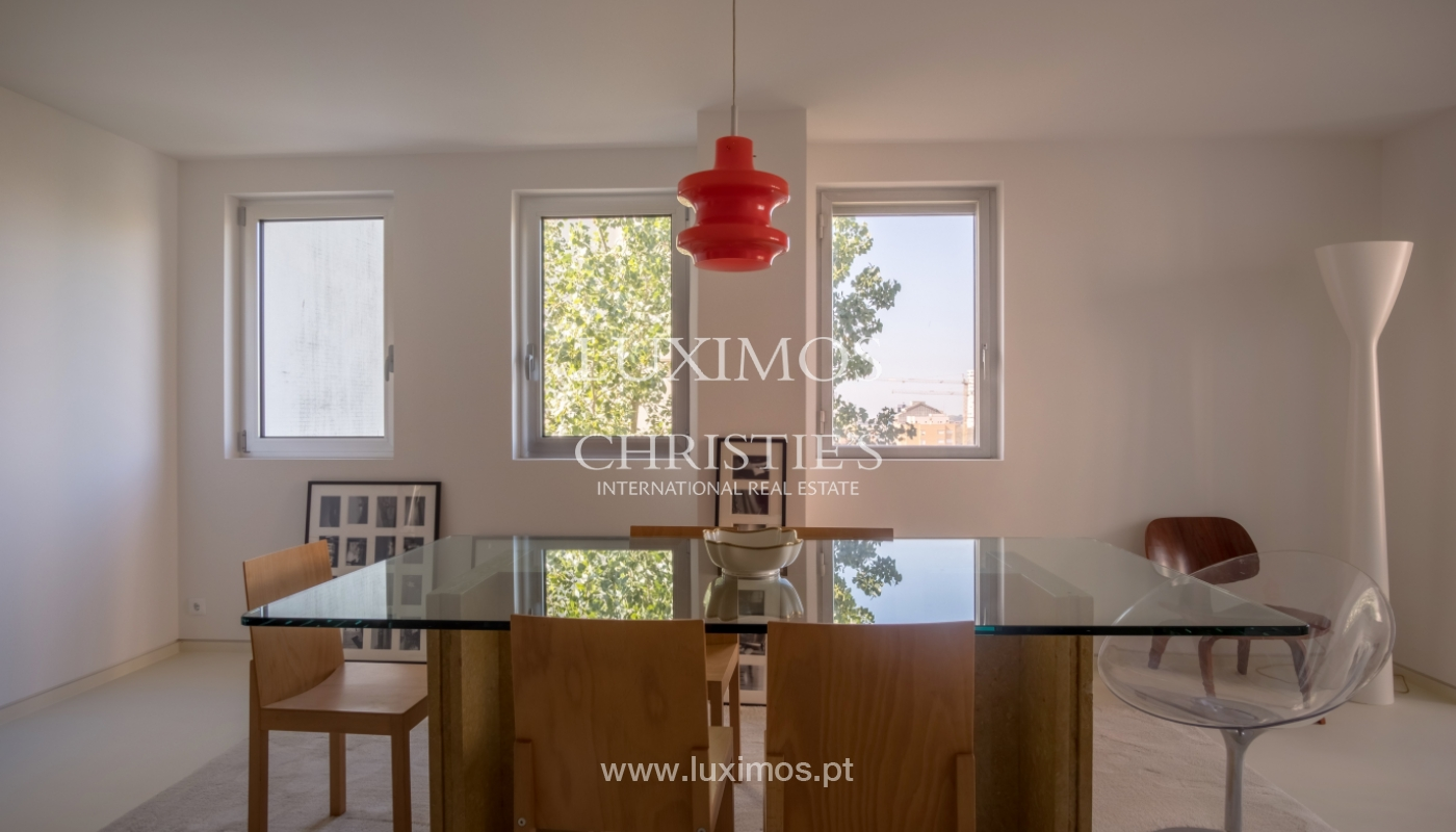 Sale of renovated apartment, with balcony, Porto Portugal_122528