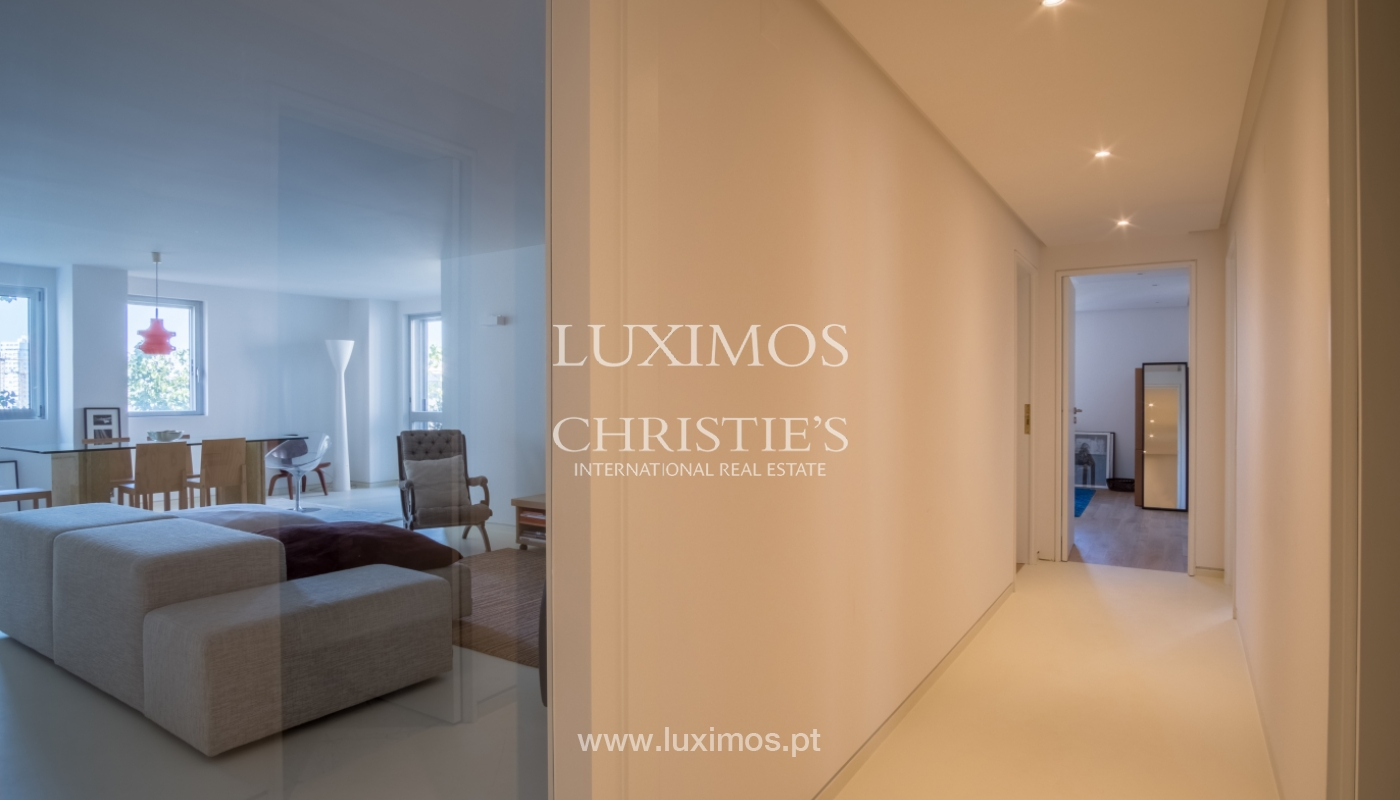 Sale of renovated apartment, with balcony, Porto Portugal_122538