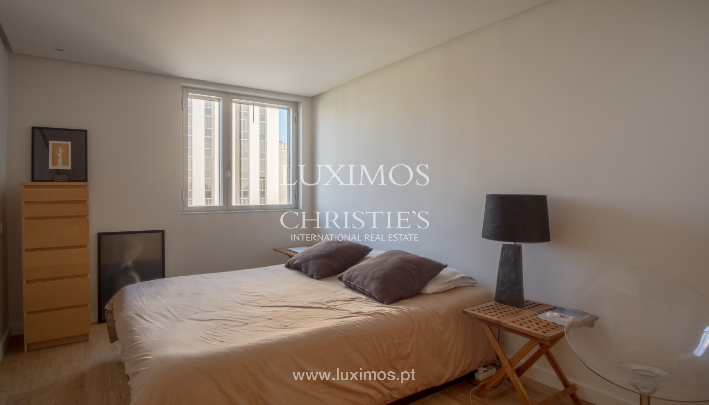 Sale of renovated apartment, with balcony, Porto Portugal_122540