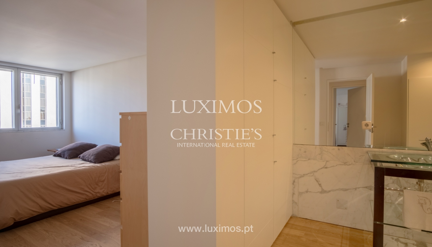 Sale of renovated apartment, with balcony, Porto Portugal_122546
