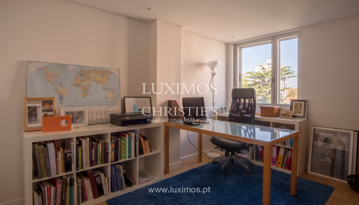 Sale of renovated apartment, with balcony, Porto Portugal_122547