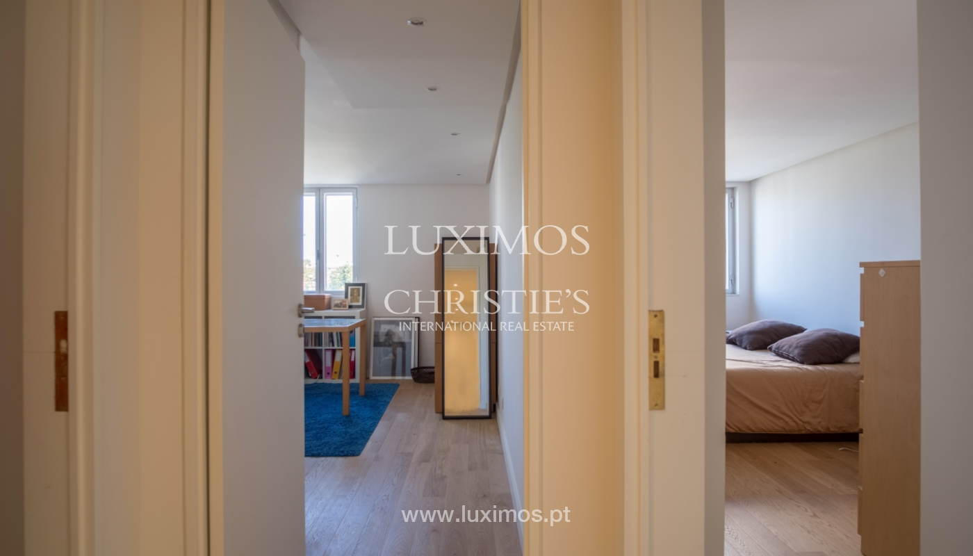Sale of renovated apartment, with balcony, Porto Portugal_122549