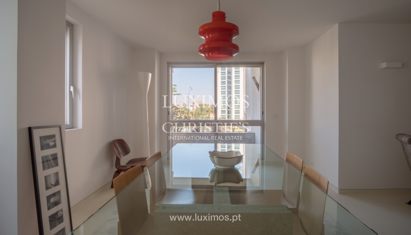 Sale of renovated apartment, with balcony, Porto Portugal_122559