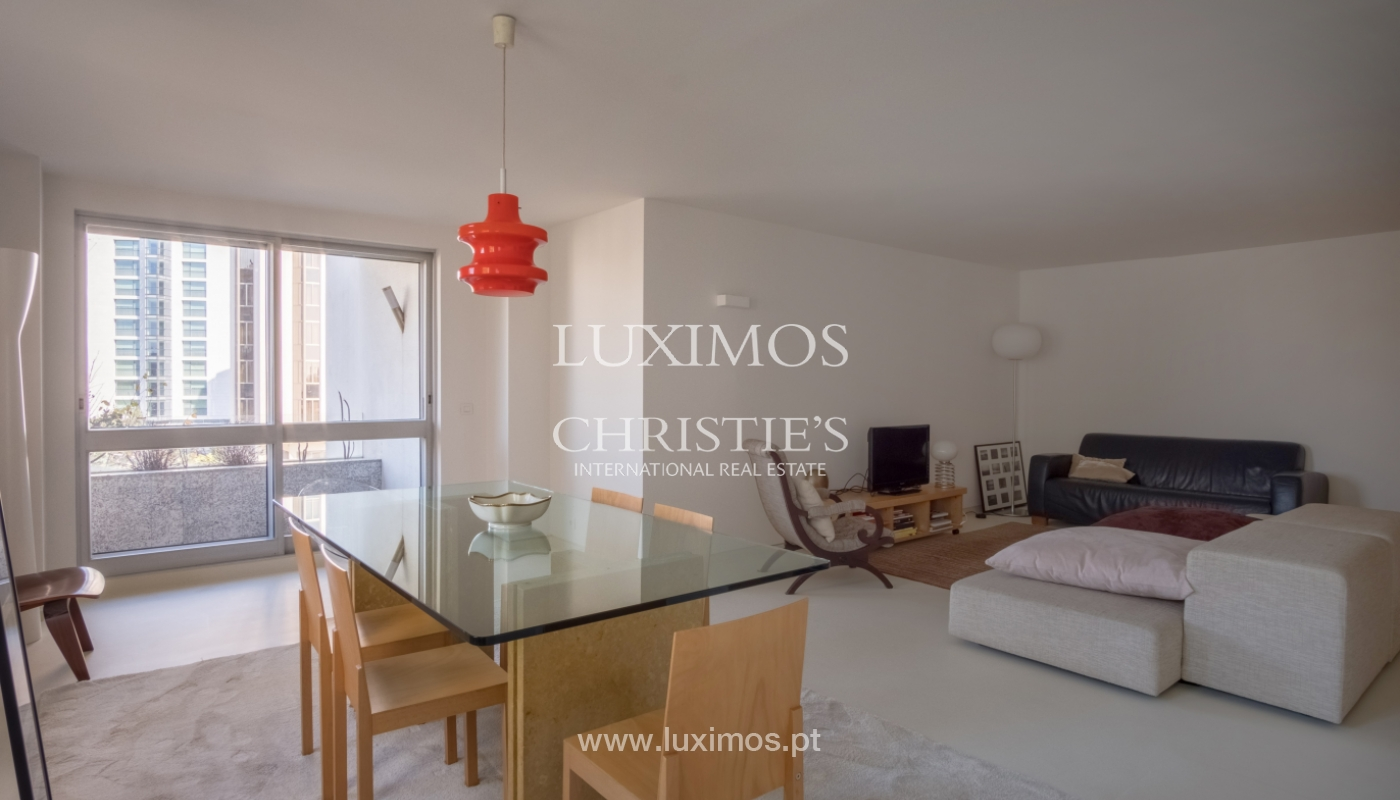 Sale of renovated apartment, with balcony, Porto Portugal_122560
