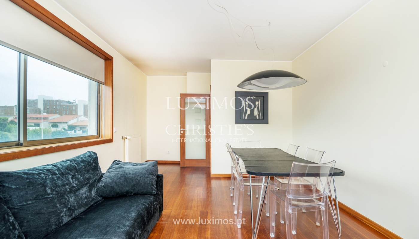 Sale of apartment with sea views, Leça da Palmeira, Portugal_122960