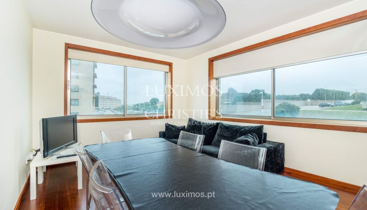 Sale of apartment with sea views, Leça da Palmeira, Portugal_122961