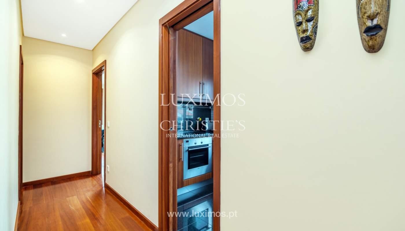 Sale of apartment with sea views, Leça da Palmeira, Portugal_122967