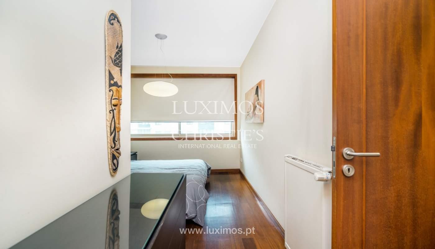 Sale of apartment with sea views, Leça da Palmeira, Portugal_122972