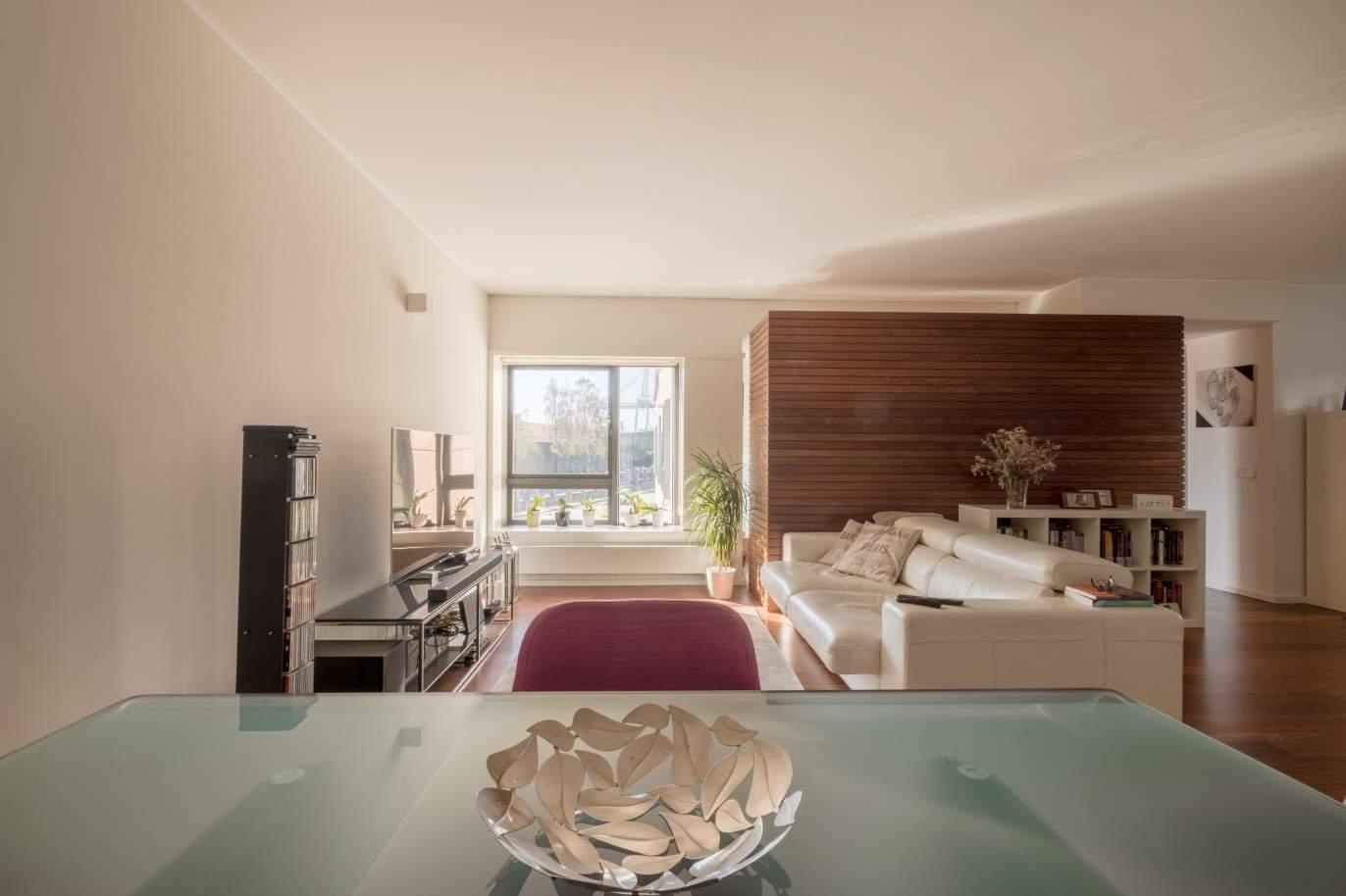 venta-de-apartamento-de-lujo-en-leca-da-palmeira-portugal