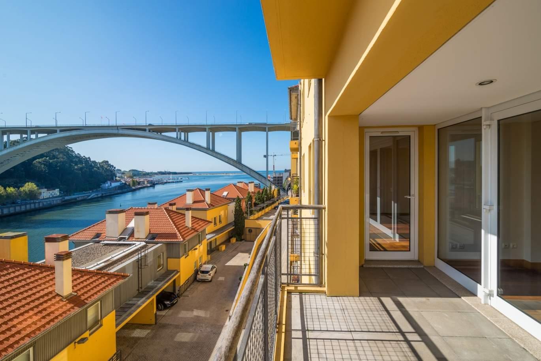 venda-de-apartamento-com-vistas-unicas-para-o-rio-douro-porto